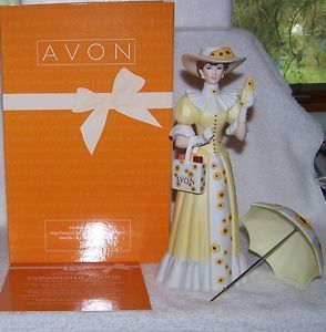 Avon Mrs Albee Award Porcelain Lady Figurine 2012 13 Presidents Club
