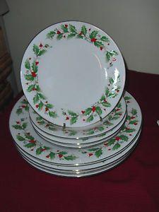 8 PC Set China Pearl Noel Christmas Dinnerware Dishes