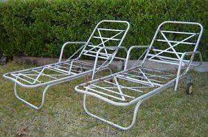 Metal lawn chair on popscreen - Chaise metal vintage ...