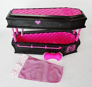 Monster High Draculaura Coffin Bed Set Jewelry Box w Accessories