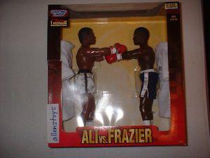 "1998 Starting Lineup 12"" Muhammad Ali and Joe Frazier Boxing Sams Club Exclu"