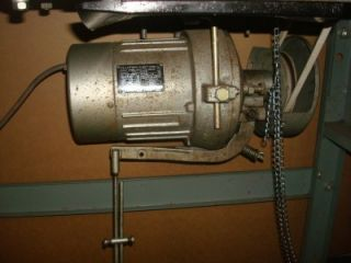 Juki MO 2516 6 Thread Over Lock Sewing Machine Made in Japan 3533