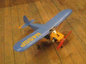 COMET HOBBYCRAFT PIPER TRI PACER U CONTROL GAS MODEL AIRPLANE WITH ORIGINAL BOX