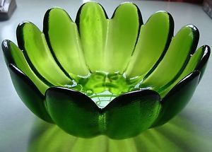 Stunning Art Glass Blenko Heavy Large Green Petal Shape Fruit Serving Bowl