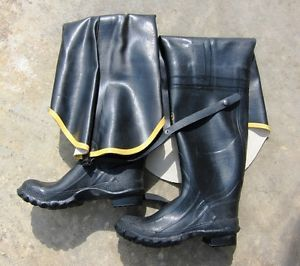 8d0054515d2 Lacrosse Black Hip Boots Waders Rubber Size 9 on PopScreen