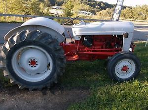 Ford 640 Farm Tractor Four Cylinder Gas Engine 3pt Hitch Restored Jubilee 8N 9N