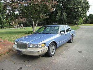 1995 Lincoln Town Car Base Sedan 4 Door 4 6L