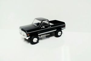 1 64 Custom Lifted 1972 Chevy C10 4x4 Short Bed Truck Ertl Farm Toy DCP