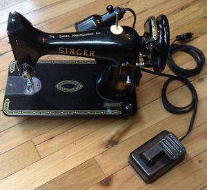 Singer Sewing Machine Model 99K Hard Carrying Case