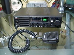 Realistic Navaho TRC 492 Model 21 1549 CB Radio CB Base Station 40 Channel