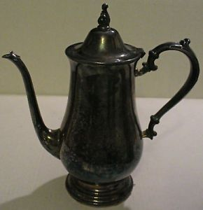 Wm A Rogers by Oneida Silversmiths Tea Coffee Pot