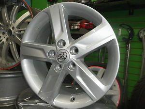 2013 Toyota Camry SE Wheels