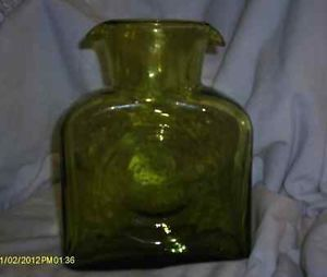 Art Glass Blenko Double Spout Green Pitcher Caraf Water Bottle Decanter