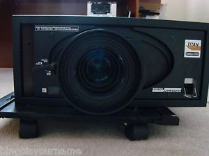 Digital Projection Titan 1080p 250 Projector 3 Chip DLP Servo Stores Focus