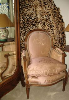 Stunning French Louis XVI Bergere Fauteuil Living Room Chair Arm Chair Excellent