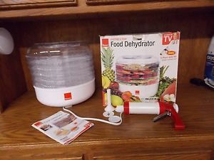 Ronco Electric 5 Tray Food Dehydrator with Bonus 5 Piece Jerky Kit User Guide
