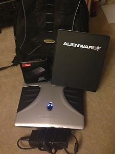 Alienware Area 51M 766SN0 Gaming Laptop Saucer Silver with Backpack Dell