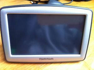 Barely Used TomTom XL N14644 310 GPS Unit USB Car Charger User Guide Bundle