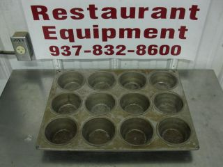 """Ekco Glaco 12 Cup Cake Muffin Pan 3 3 4"""" x 2 1 4"""" Commercial 85208"""