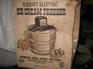 5 Qt RCW Richmond Dasher from Wood Bucket Ice Cream Maker 21U