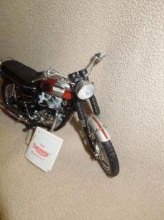 Franklin Mint 1969 Triumph Bonneville Motorcycle Model 1 10 Original Box