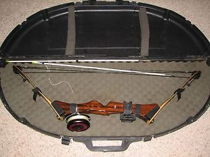 Nice Browning Safari Bow Hunting Bow Fishing Compound Bow Retract A Blade Arrows