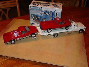 1 24 Revell 77 Chevy GMC Wrecker Tow Truck Rollback Flatbed 2 Car Hauler Kit