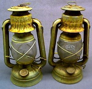 Dietz 76 'Original' Kerosene Lanterns Lamps 2 Original Glass Globes