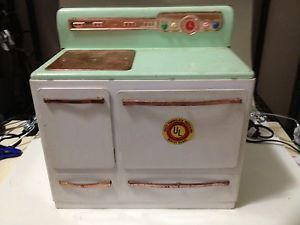 Vintage Wolverine Kids Electric Oven Toy Metal Stove