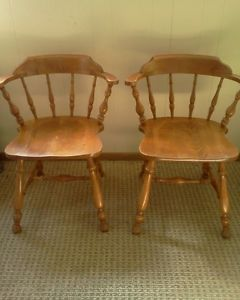 Pair 2 Ethan Allen Baumritter Colonial Maple Barrel Back Captains Chairs