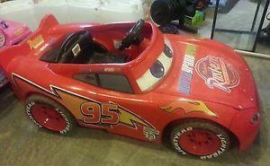 Lightning McQueen 12 Volt Ride on Riding Toy Car Power Wheels Disney Cars 2