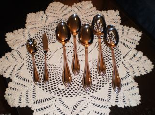 Temp tations Old World Bead 18 10 SS 75pc Flatware Service for 12