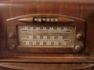 Philco 46 1209 Deco Console Radio Phonograph Tube Radio Am SW Wood Antique 115V