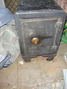 Antique Turn of The Century Mosler Floor Safe Gold Guilt Small Size Nice