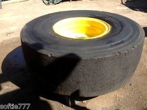 Yokohama Wheel Loader Forklift Scrap Metal Multi Use 20 5 25 16PR Solid Tires