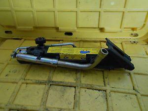 98 05 Mercedes ML500 ML320 Tire Lift Hoist Jack Wrench Tool Lifting Unit A 47D