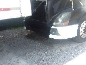 Volvo VNL Bumper: Commercial Truck Parts