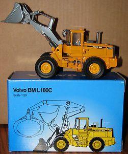 Volvo BM L180C Wheel Loader 1 50 Construction Scoop Toy