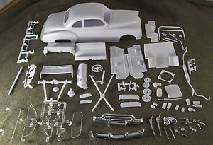1 25 Scale Model Car Kit Parts Junk Yard 1950 Oldsmobile Coupe Body Chassis