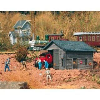 PIKO G SCALE MODEL TRAIN BUILDINGS   TRACK INSPECTION SHED   62232 Toys & Games
