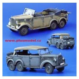 Plusmodel Plu105 1:35 Skoda Type 903 Staff Car Diorama Detail Model Kit: Toys & Games