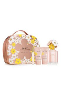 MARC JACOBS Daisy Eau So Fresh Gift Set ($156 Value)