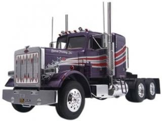 Revell 1:25 Peterbilt 359 Conventional Tractor: Toys & Games